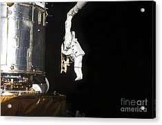 Astronaut Working On The Hubble Space Acrylic Print by Stocktrek Images