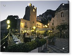 An Outdoor Cafe-restaurant With Diners Acrylic Print by Richard Nowitz