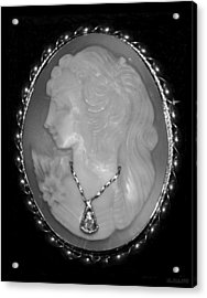Cameo In Black And White Acrylic Print by Rob Hans