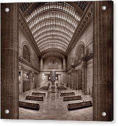 Chicagos Union Station Bw Acrylic Print by Steve Gadomski