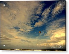 Kite At Folly Beach Near Charleston Sc Acrylic Print by Susanne Van Hulst