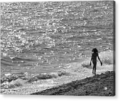 Strolling On Connecticut Beach Acrylic Print by Cindy Lee Longhini