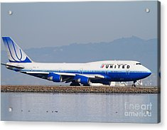 United Airlines Jet Airplane At San Francisco International Airport Sfo . 7d12006 Acrylic Print by Wingsdomain Art and Photography