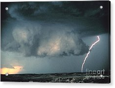 Wall Cloud With Lightning Acrylic Print by Science Source