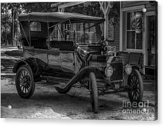 1916 Ford - Model T Acrylic Print by Liane Wright