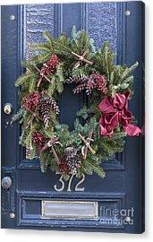 Christmas Wreath Acrylic Print by Edward Fielding