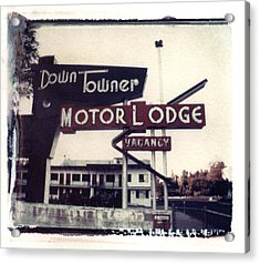 Down Towner Acrylic Print by Jane Linders