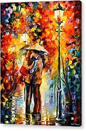 Kiss Under The Rain Acrylic Print by Leonid Afremov