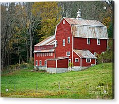 Old Red Vermont Barn Acrylic Print by Edward Fielding