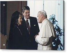 President And Nancy Reagan Meeting Acrylic Print by Everett