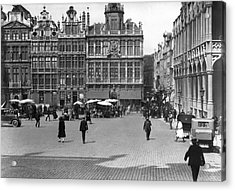 The Grand Place In Brussels Acrylic Print by Underwood Archives