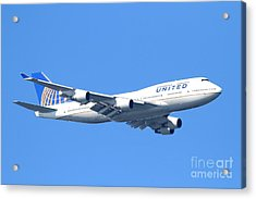 United Airlines Boeing 747 . 7d7850 Acrylic Print by Wingsdomain Art and Photography