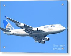 United Airlines Boeing 747 . 7d7852 Acrylic Print by Wingsdomain Art and Photography