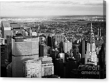 North East Towards East River Queens Bronx With Chrysler And Met Life Buildings New York City Canvas Print by Joe Fox