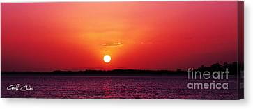 White Sun And Crimson Glow - Sunset Xmas Day. Canvas Print by Geoff Childs
