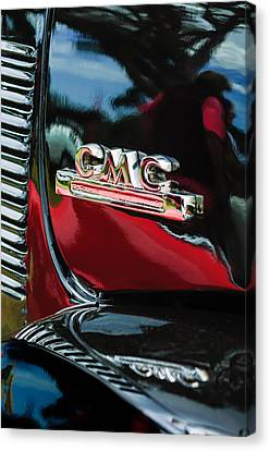 1952 Gmc Suburban Emblem Canvas Print by Jill Reger