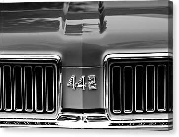 1970 Oldsmobile 442 Grille Emblem Canvas Print by Jill Reger