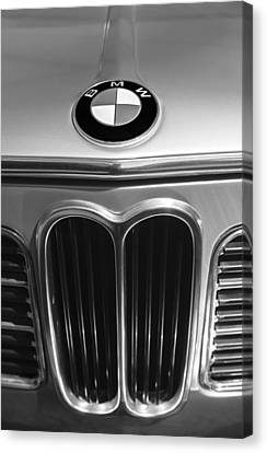 1972 Bmw 2000 Tii Touring Grille Emblem Canvas Print by Jill Reger