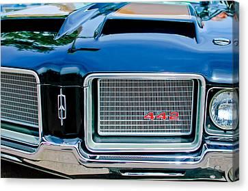 1972 Oldsmobile 442 Grille Emblem Canvas Print by Jill Reger