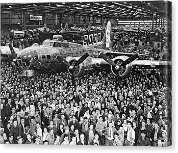 5,000th Boeing B-17 Built Canvas Print by Underwood Archives