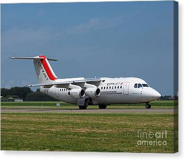Cityjet British Aerospace Avro Rj85 Canvas Print by Paul Fearn