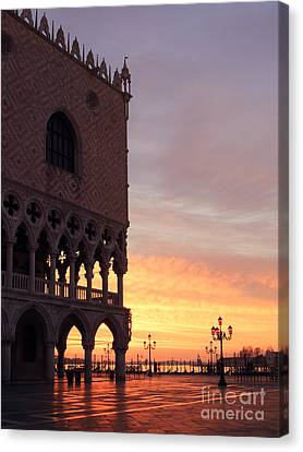 Doges Palace At Sunrise Venice Italy Canvas Print by Matteo Colombo