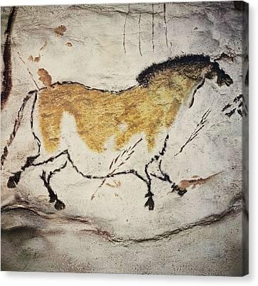 France. Montignac. The Cave Of Lascaux Canvas Print by Everett