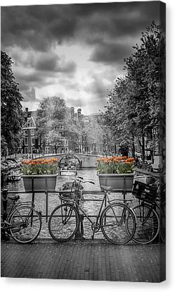 Gentlemens Canal Amsterdam Canvas Print by Melanie Viola