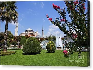 Hagia Sophia Museum And Gardens Istanbul Canvas Print by Robert Preston