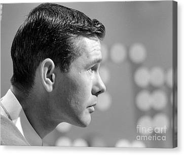 Johnny Carson On The Set Of The Tonight Show 1963 Canvas Print by The Phillip Harrington Collection