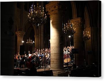 Paris France - Notre Dame De Paris - 01136 Canvas Print by DC Photographer