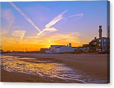 Provincetown Beach At Sunset Canvas Print by Frank Winters