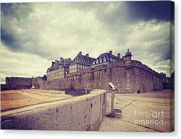 Saint-malo Brittany France Canvas Print by Colin and Linda McKie