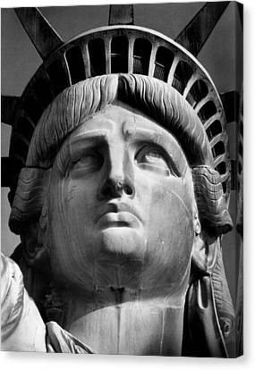 Statue Of Liberty Canvas Print by Retro Images Archive