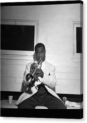 Trumpeter Louis Armstrong Canvas Print by Underwood Archives