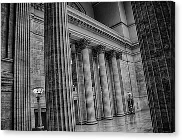 Union Station Chicago Canvas Print by Mike Burgquist
