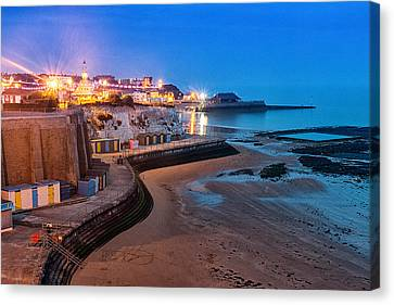Viking Bay Broadstairs Canvas Print by Ian Hufton