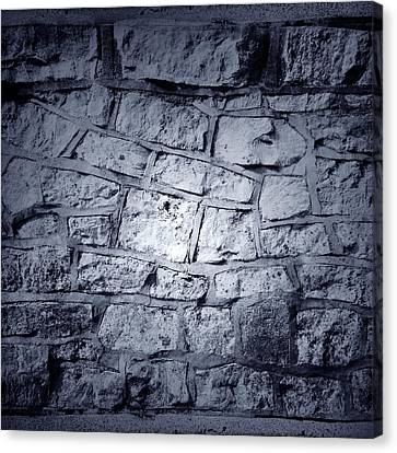 Wall Canvas Print by Les Cunliffe