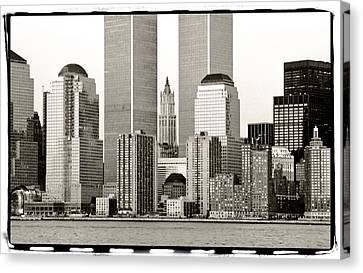 Woolworth Building Between Twin Towers Canvas Print by Frank Winters