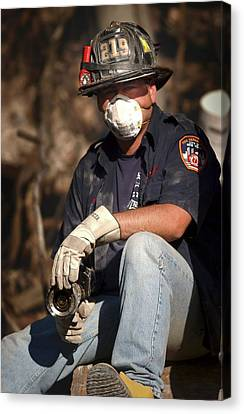 11 September Rescue Worker Canvas Print by Us Navy/preston Keres