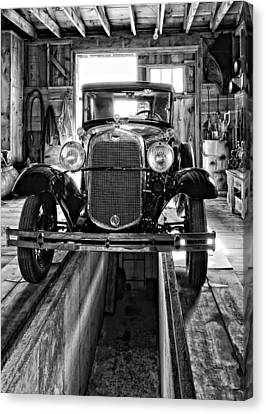 1930 Model T Ford Monochrome Canvas Print by Steve Harrington