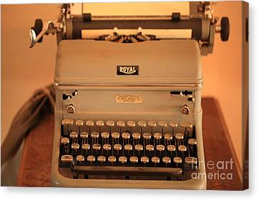 1930 Royal Typewriter Canvas Print by Cheryl Young