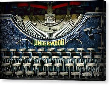 1932 Underwood Typewriter Canvas Print by Paul Ward