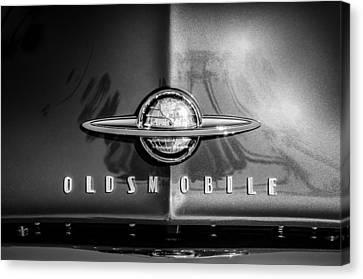 1958 Oldsmobile Grille Emblem -0236bw Canvas Print by Jill Reger