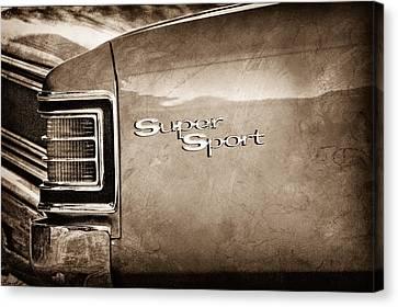 1967 Chevrolet Chevelle Ss Super Sport Taillight Emblem Canvas Print by Jill Reger