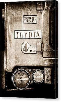 1969 Toyota Fj-40 Land Cruiser Taillight Emblem -0417s Canvas Print by Jill Reger