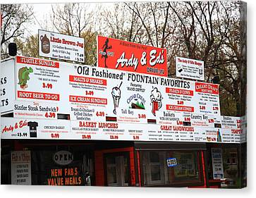 Oshkosh Wisconsin - Ardy And Ed's Drive-in Canvas Print by Frank Romeo