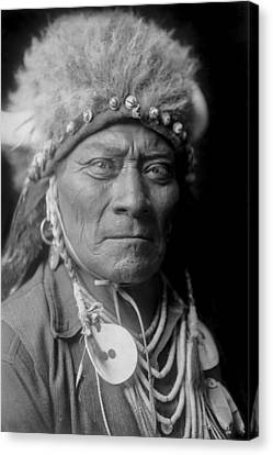 Crow Indian Man Circa 1908 Canvas Print by Aged Pixel