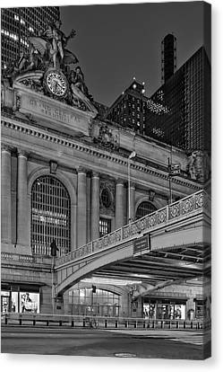 Grand Central Terminal Gct Nyc Canvas Print by Susan Candelario