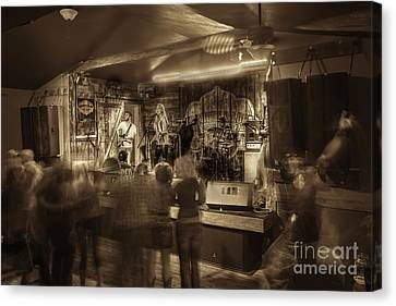Keri Leigh Singing At Schmitt's Saloon Canvas Print by Dan Friend